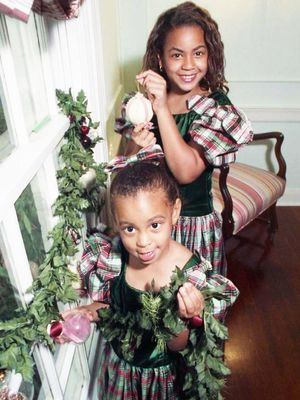 The Best Celebrity Throwback Holiday Photos