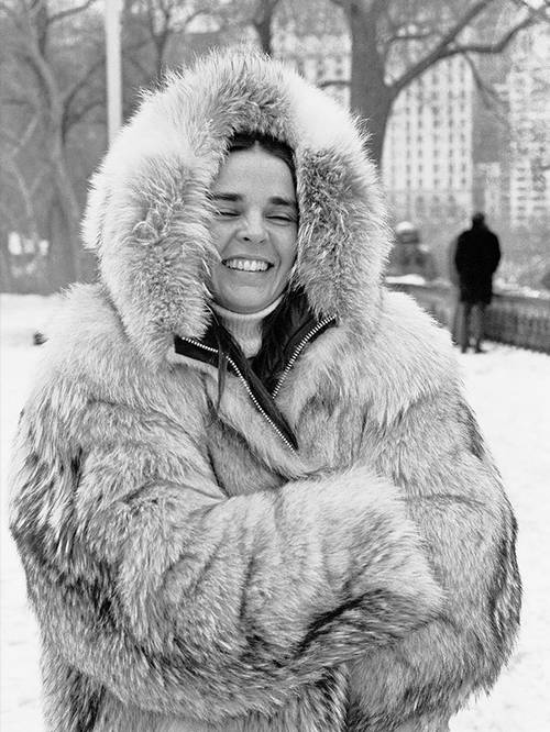winter-fashion-icons-245527-1513944271364-image.500x0c.jpg (500×666)