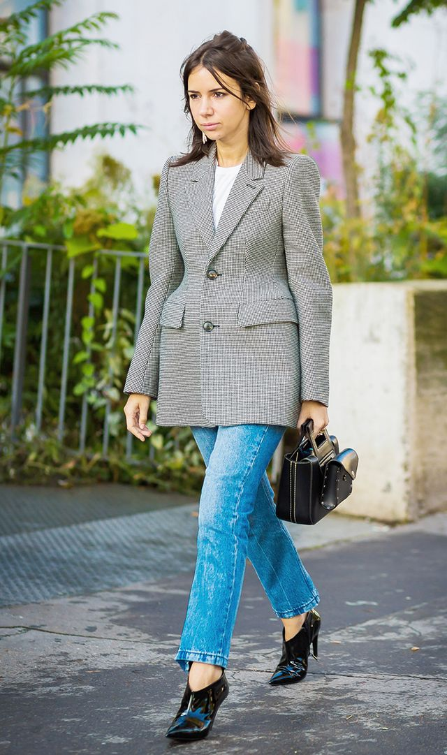 blazer and jeans outfit idea