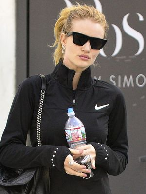 Rosie Huntington-Whiteley Wore the Chicest $80 Leggings on All of Amazon