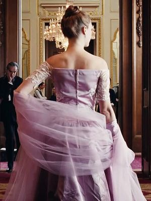 5 Fun Facts About the Dreamiest Movie Costumes of Award Season