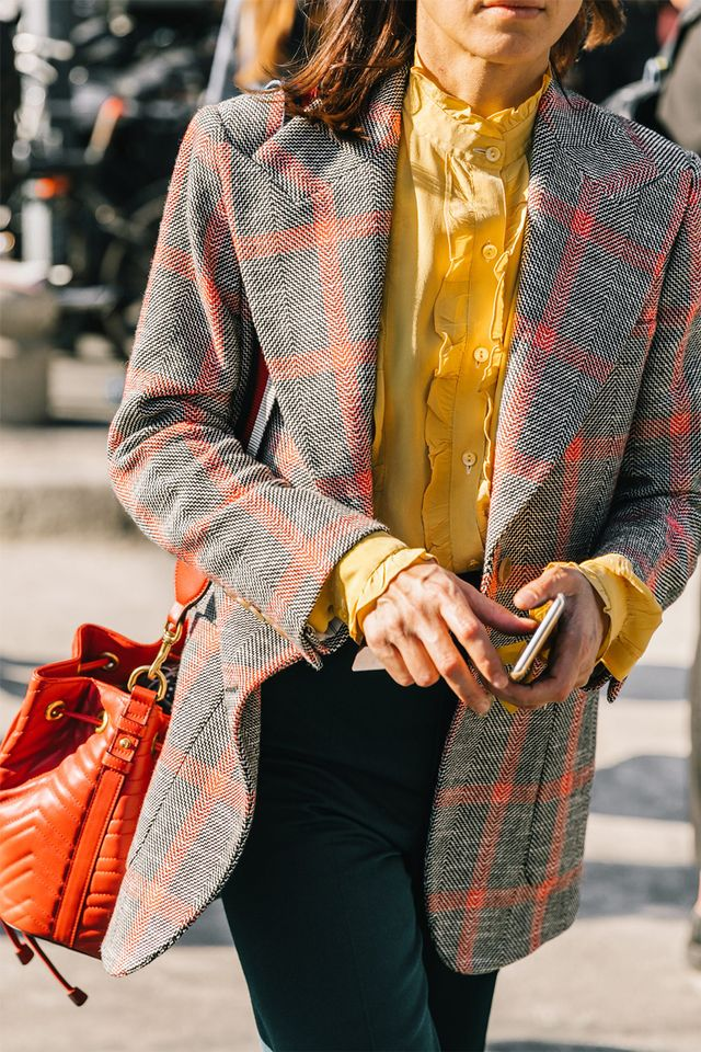 We love thiscombination of yellow and burnt orange.