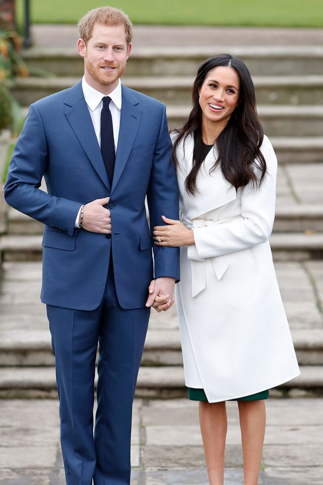 Markle couldn't have picked a chicer look to debuther stunning engagement ring.