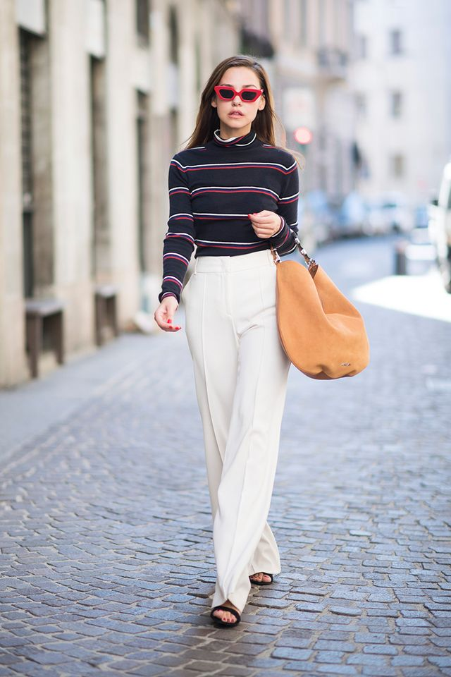 A fitted sweater paired with oversize trousers always looks sophisticated.