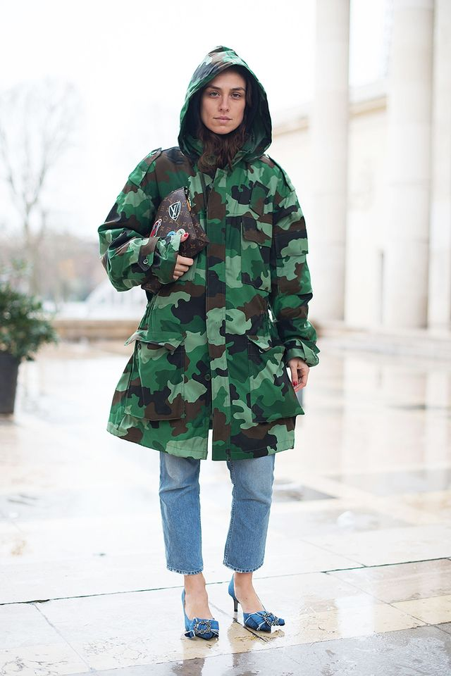 A camo jacket makes this outfit ready for the street style scene.