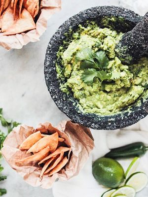 8 Ketogenic Snacks That Make Eating Healthier a Breeze