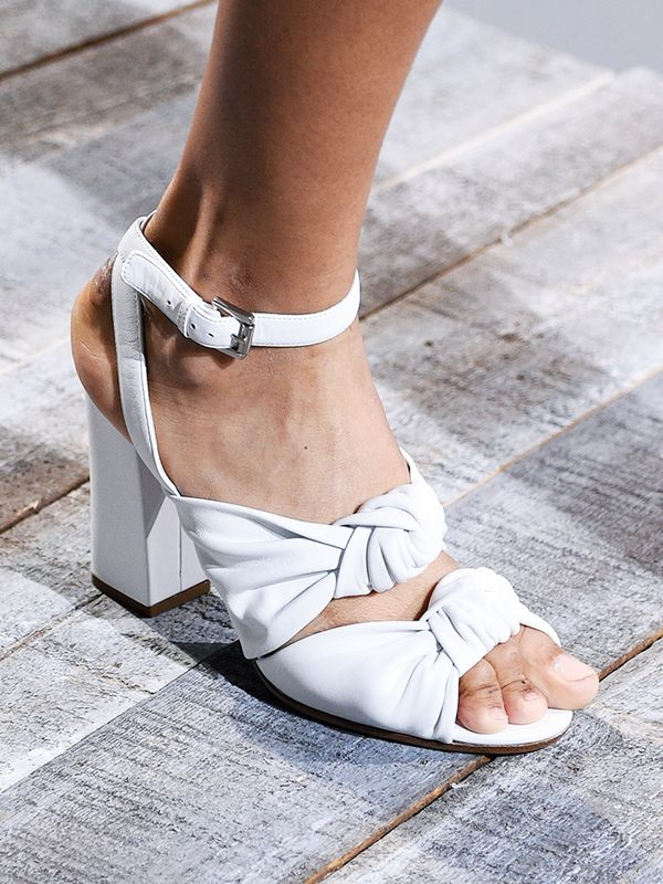 shoe-trends-2018-246371-1515673693996-image.600x0c.jpg (600×800)