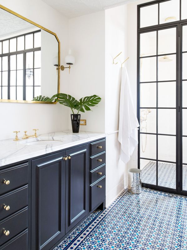 9 ways to make your bathroom look more expensive mydomaine for Bathroom redesign app