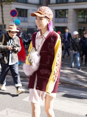 The Cozy Accessory Trend We're Seeing Everywhere This Winter