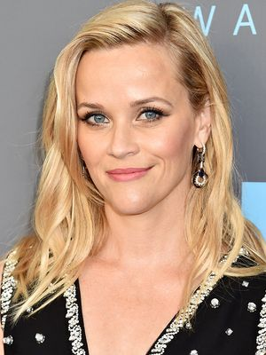 Get Excited: Reese Witherspoon Is Creating a TV Show With Kristen Wiig