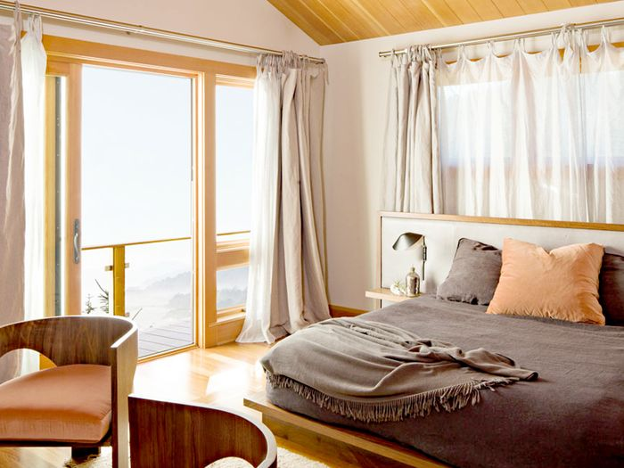 The Feng Shui Bedroom Colors That Will Bring the Best Energy Into ...