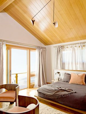 The Feng Shui Bedroom Colors That Will Bring the Best Energy Into Your Space