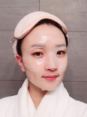 Korean Women Share Their Extensive In-Flight Beauty Routines