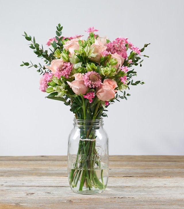 The Bouqs Co. Farmer's Choice Valentine's Day Deluxe Arrangement