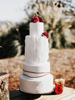Gorgeous Wedding Cake Ideas to Make Your Celebration Even Sweeter