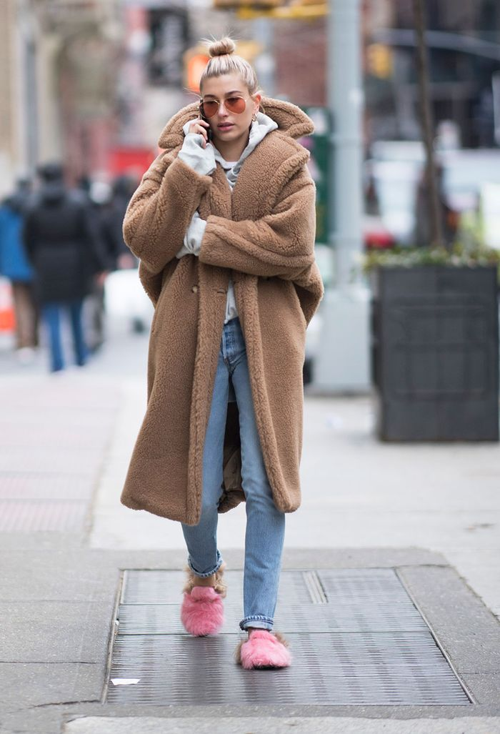 Celebrity Style Hailey Baldwin In Furry Gucci Slides Who