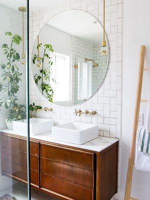 Definitive Proof That Tiled Bathrooms Make a Striking Statement