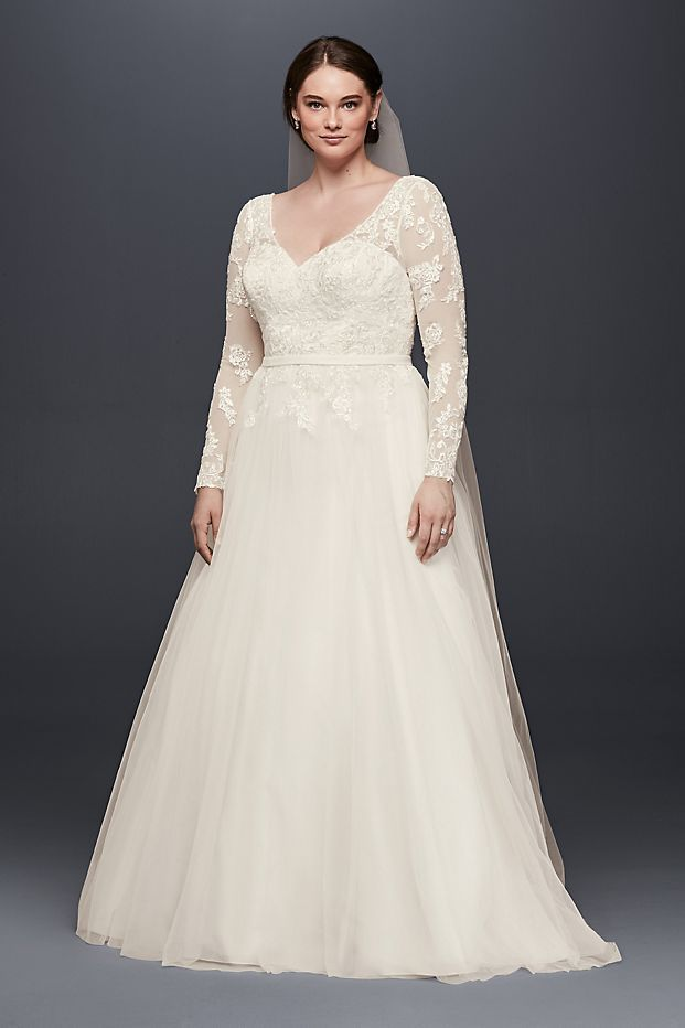 Davids Bridal Long Sleeve Wedding Dress With Low Back