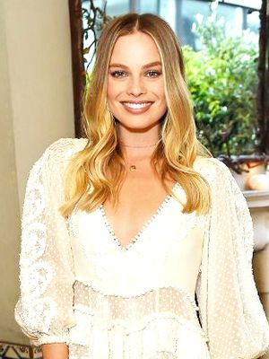 Margot Robbie, We Love That You Always Wear Australian Designers