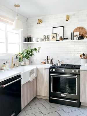 A Designer Shows Us How to Give a Dated Kitchen a Drool-Worthy Makeover