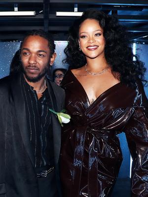 Rihanna's Grammys Beauty Look Stole Our Hearts