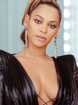 Beyoncé Wore Glossier's Newest Product to Last Night's Grammys
