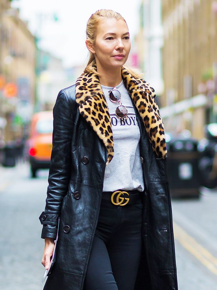Outfit: a Gucci Belt, Black Jeans and a Cream Blouse