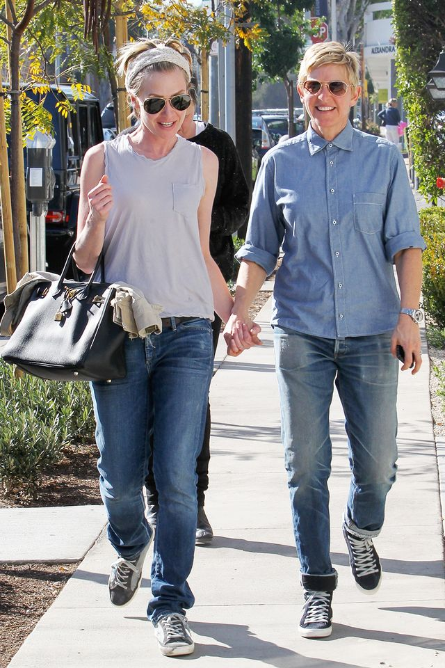 In their relaxed jeans and matching sneakers, Ellen and Portia mastered the art of the casually matching outfit.