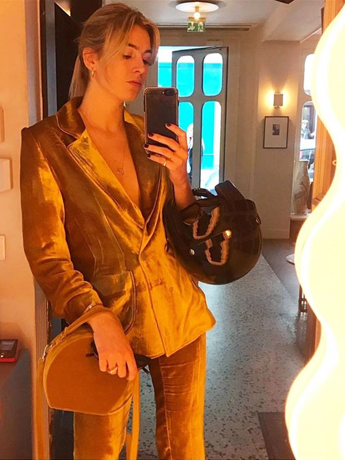 How To Take A Good Mirror Selfie: camille charriere