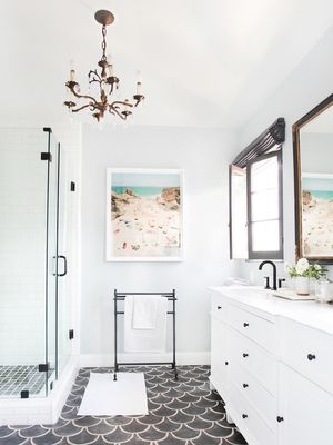 Pro Tip: Luxurious Bathroom Chandeliers Will Make You Feel Like Royalty