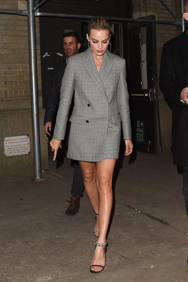 WHO: Margot Robbie WHAT: Calvin Klein F/W18 Show.