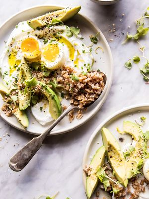 A Nutritionist on How to Follow a Low-Carb Vegetarian Diet