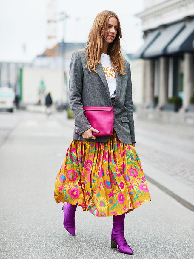 How to wear brights colours