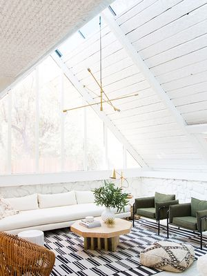 Forget Accent Walls—Statement Ceilings Are the New Hot Trend