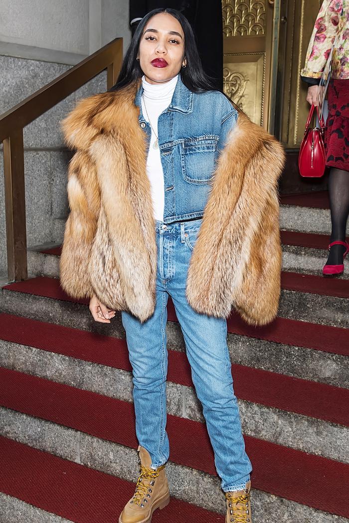 Aleali May boyfriend jeans fur coat red lip street style