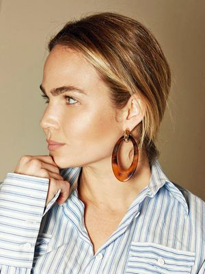 Those Tortoiseshell Earrings You're Seeing Everywhere? Here's Where They're From