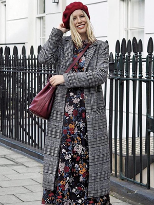 So, London Girls Are Clued In on These 5 Unique Styling Hacks