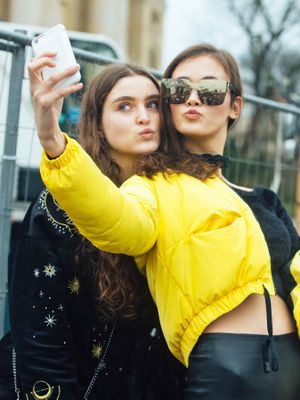 Following These 5 Tips Will Get Your Selfie the Most Likes