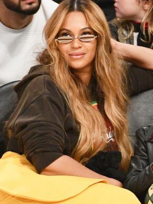 "Beyoncé's Naked Boots ""Make Legs Look Longer"""