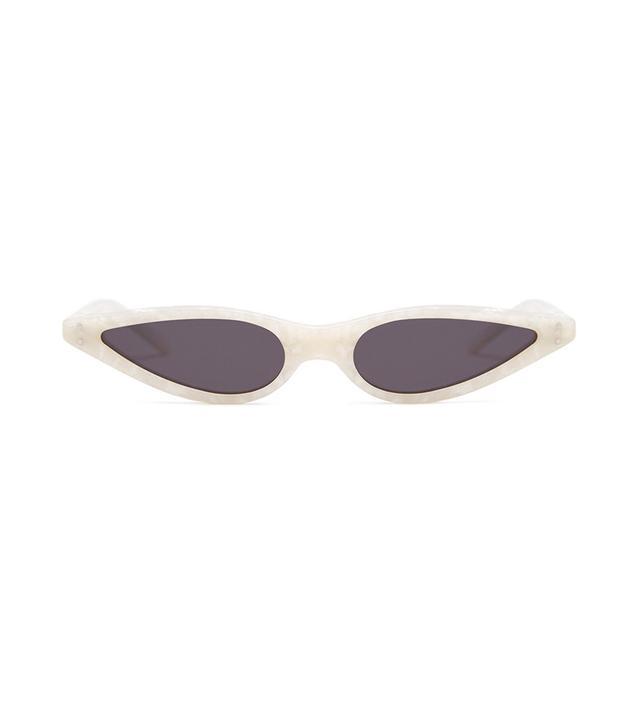 Sunglasses in Pearl White