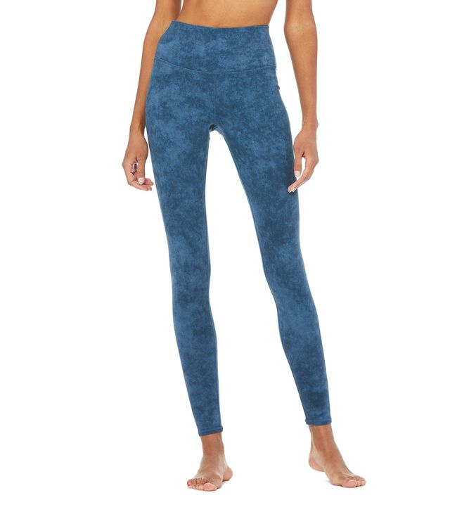 Alo High-Waist Airbrush Leggings in Indigo Acid Wash