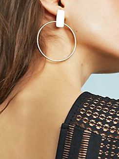 If You Want Some Truly Unique Gold Earrings, Here's Where to Look