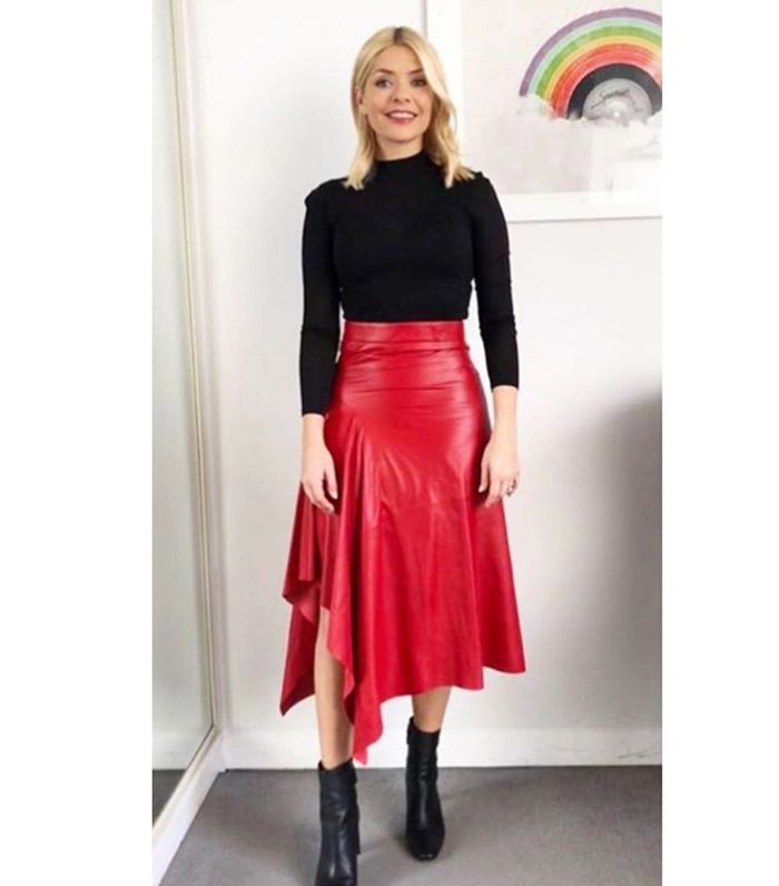Holly Willoughby Just Wore an Amazing Zara Skirt