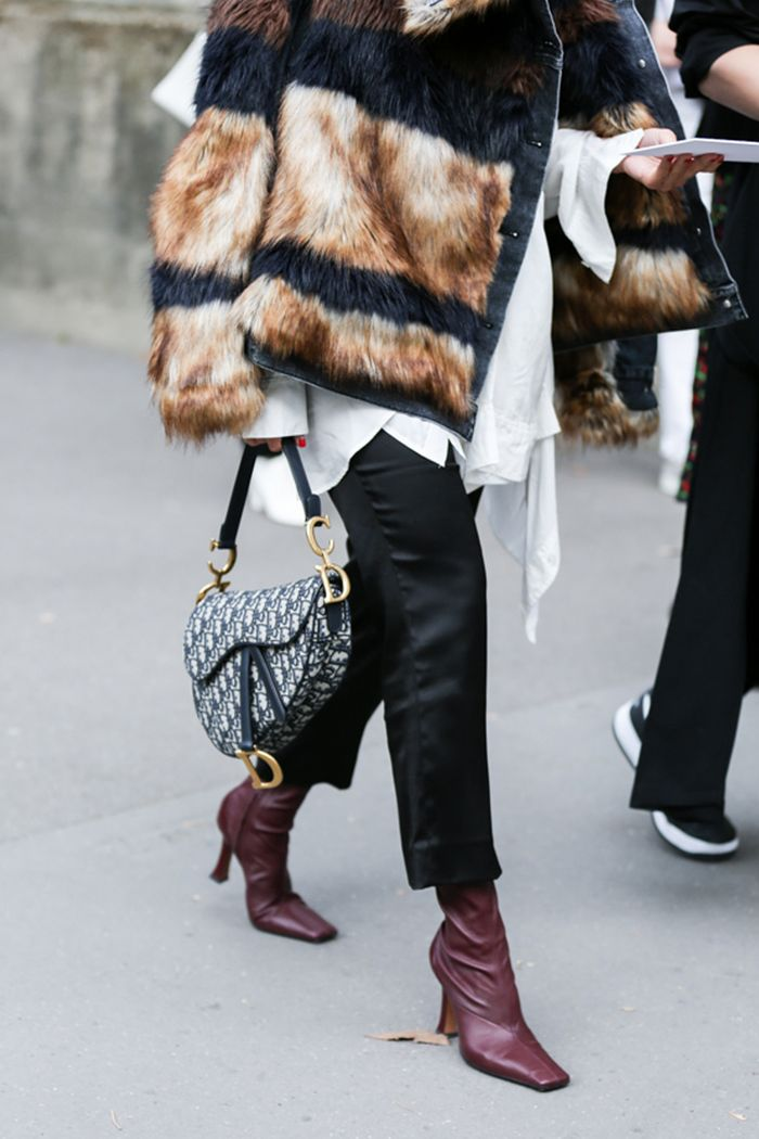 How to know if a designer handbag is fake