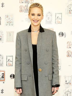 Scared to Fly? Try Jennifer Lawrence's Fun and Simple Trick