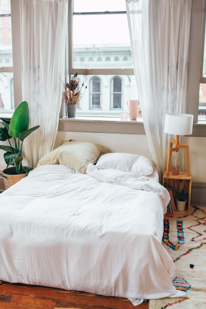 How to De-Clutter Your Space