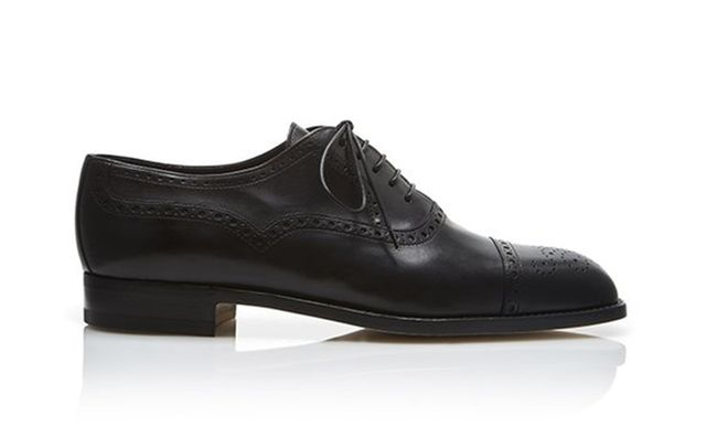 varnished oxford shoes