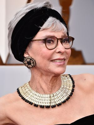 This 86-Year-Old Actress Is Wearing Autumn's Biggest Hair Trend at the Oscars