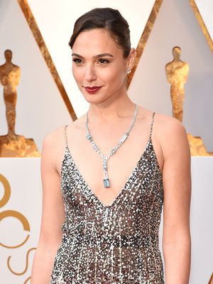 Gal Gadot Wore Over a Thousand Diamonds to Her Very First Oscars