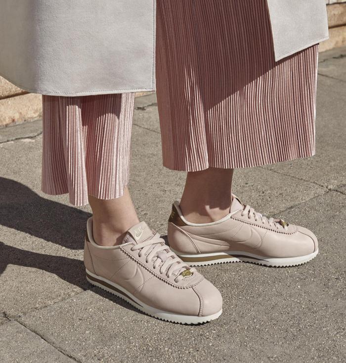 administración Tamano relativo Aprovechar  Maria Sharapova's Nike L.A. Cortez Sneakers | Who What Wear